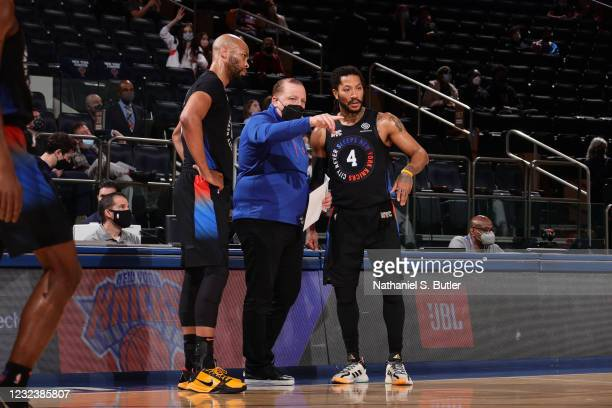 Head Coach Tom Thibodeau of the New York Knicks talks to Derrick Rose during the game against the New Orleans Pelicans on April 18, 2021 at Madison...