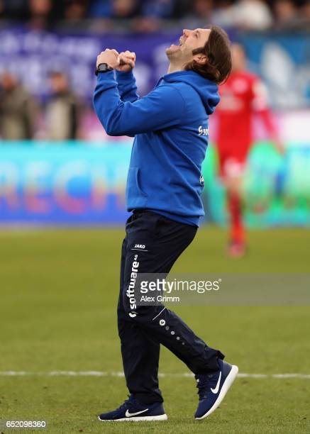 Head coach Torsten Frings of Darmstadt celebrates after the Bundesliga match between SV Darmstadt 98 and 1 FSV Mainz 05 at JonathanHeimesStadion am...