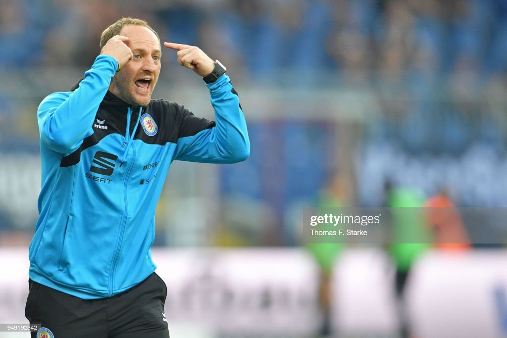 Head coach Torsten Lieberknecht of Braunschweig reacts during the Second Bundesliga match between Eintracht Braunschweig and DSC Arminia Bielefeld at Eintracht Stadion on April 20, 2018 in Braunschweig, Germany.