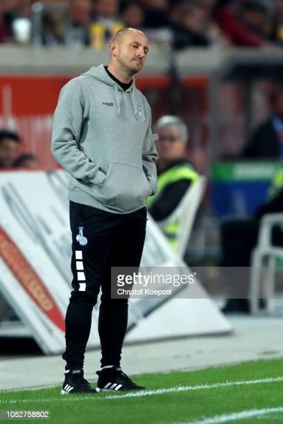 Head coach Torsten Lieberknecht of Duisburg Reacts during the Second Bundesliga match between MSV Duisburg and FC St Pauli at SchauinslandReisenArena...