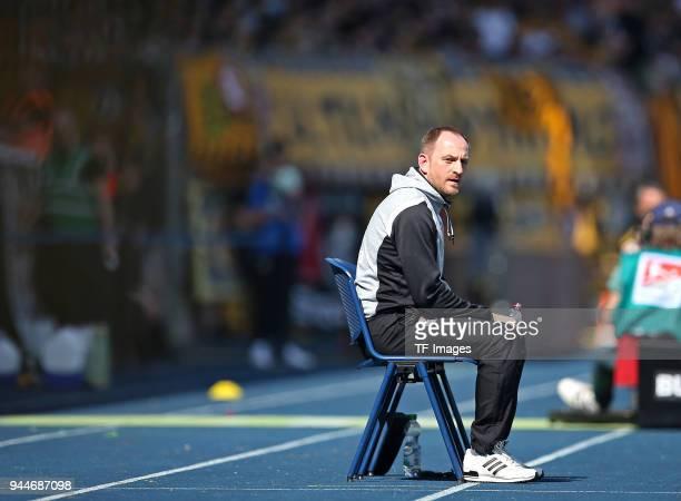 Head coach Torsten Lieberknecht of Eintracht Braunschweig looks on during the Second Bundesliga match between Eintracht Braunschweig and SG Dynamo...