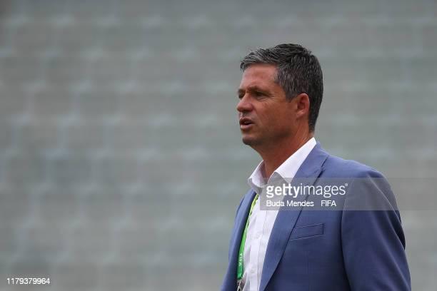 Head coach Trevor Morgan of Australia looks on during the FIFA U-17 Men's World Cup Brazil 2019 group B match between Australia and Nigeria at Valmir...