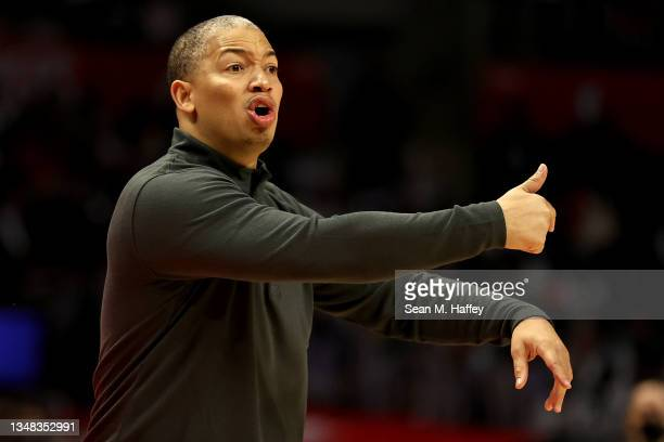 Head coach Tyronn Lue of the LA Clippers calls a play during the second half of a game against the Memphis Grizzlies at Staples Center on October 23,...