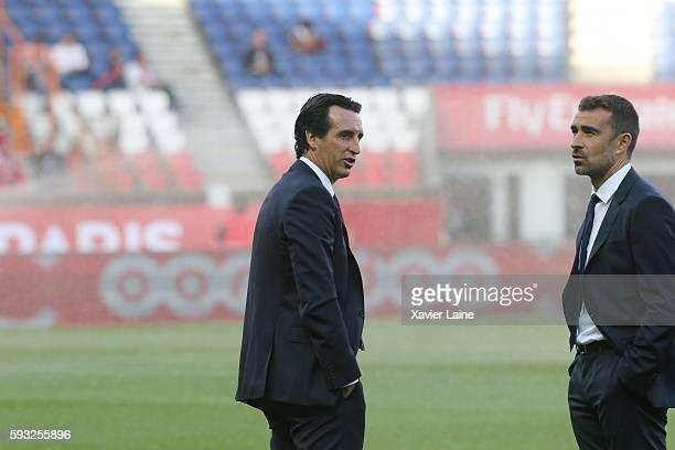 Head coach Unai Emery of Paris SaintGermain during the French Ligue 1 match between Paris SaintGermain and FC Metz at Parc des Princes on August 21...