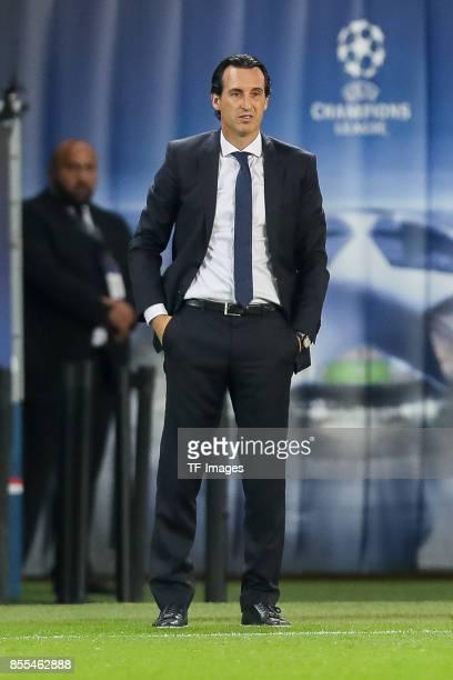 Head coach Unai Emery of Paris SaintGermain looks on during the UEFA Champions League group B match between Paris SaintGermain of Paris SaintGermain...