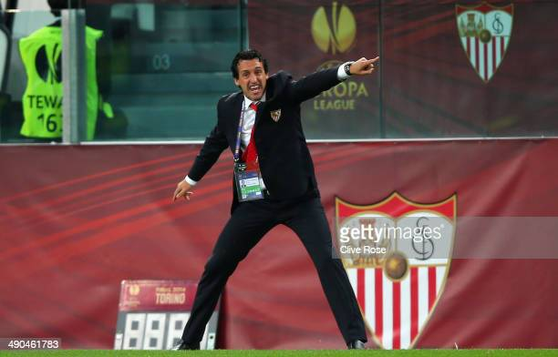 Head Coach Unai Emery of Sevilla gives instructions during the UEFA Europa League Final match between Sevilla FC and SL Benfica at Juventus Stadium...