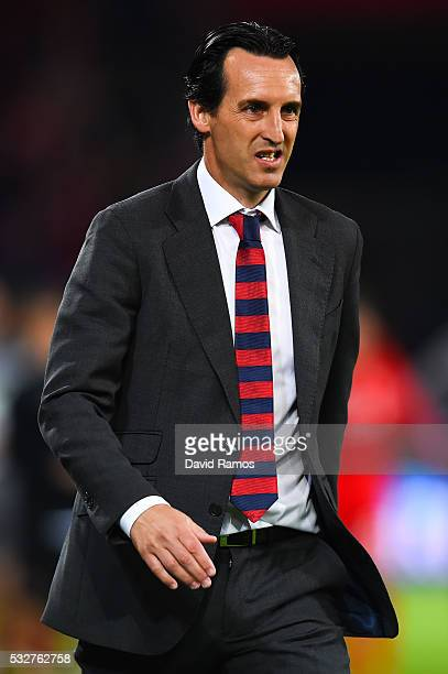 Head coach Unai Emery of Sevilla leaves the pitch at the half time during the UEFA Europa League Final match between Liverpool and Sevilla at St...