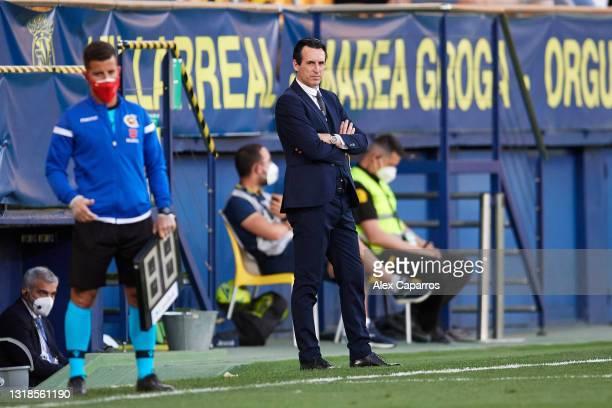 Head Coach Unai Emery of Villarreal CF looks on during the La Liga Santander match between Villarreal CF and Sevilla FC at Estadio de la Ceramica on...