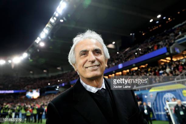 Head coach Vahid Halilhodzic of FC Nantes reacts during the French Ligue 1 match between Paris-Saint Germain and FC Nantes at Parc des Princes on...