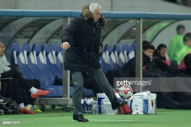 Head coach Vahid Halilhodzic of Japan in action during the EAFF E1 Men's Football Championship between Japan and South Korea at Ajinomoto Stadium on...