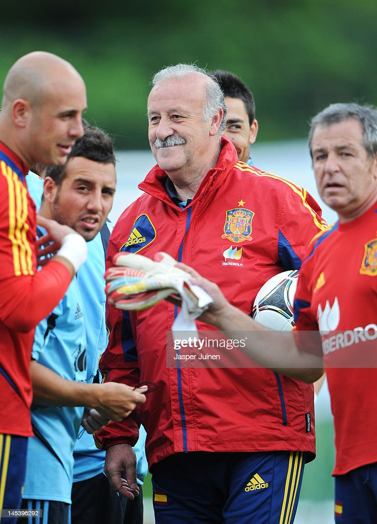 Head coach Vicente del Bosque of Spain amid his players prior to the start of a training session on May 28, 2012 in Schruns, Austria.
