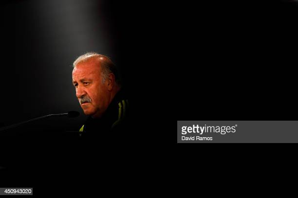 Head coach Vicente Del Bosque of Spain faces the media during a Spain press conference at Centro de Entrenamiento do Caju on June 20 2014 in Curitiba...