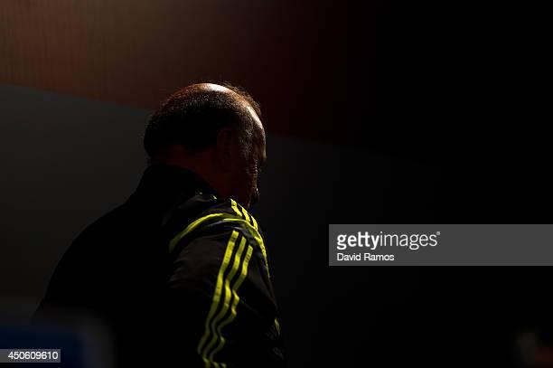 Head coach Vicente Del Bosque of Spain leaves a Spain press conference at Centro de Entrenamiento do Caju on June 14 2014 in Curitiba Brazil