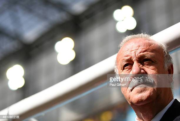 Head coach Vicente del Bosque of Spain looks on during the 2014 FIFA World Cup Brazil Group B match between Australia and Spain at Arena da Baixada...