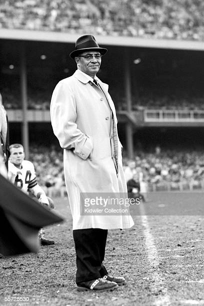 Head coach Vince Lombardi of the Green Bay Packers on the sidelines during the NFL Championship Game on December 30 1962 against the New York Giants...