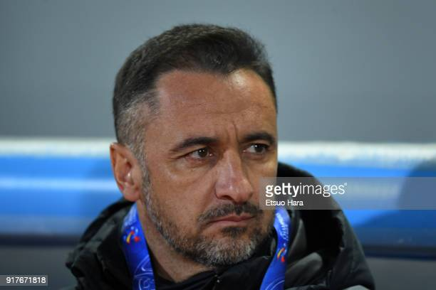 Head coach Vitor Pereira of Shanghai SIPG looks on prior to the AFC Champions League Group F match between Kawasaki Frontale and Shanghai SIPG at...