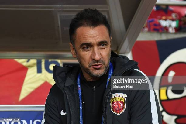 Head coach Vitor Pereira of Shanghai SIPG looks on prior to the AFC Champions League Round of 16 first leg match between Kashima Antlers and Shanghai...