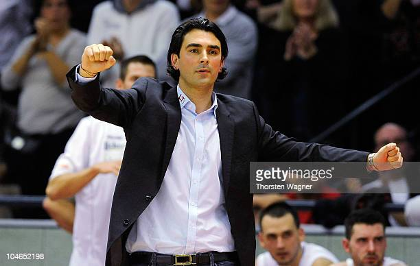 Head coach Vladimir Bogojevic of Giessen gestures the Beko BBL match between Lti Giessen 46ers and Telekom Baskets Bonn at Sports Hall East on...