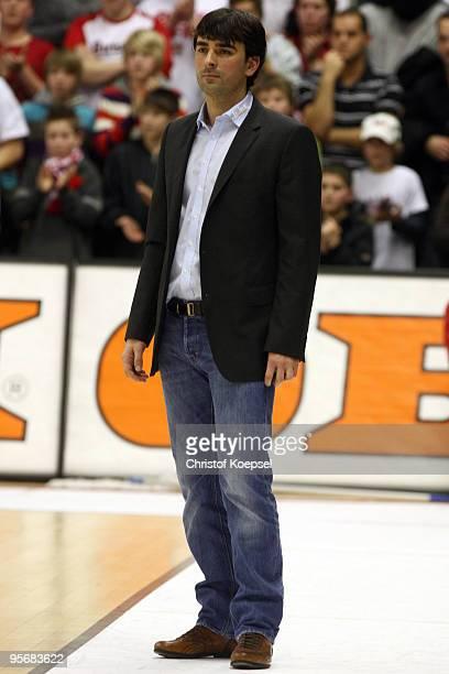 Head coach Vladimir Bogojevic of Giessen is seen during the Beko Basketball Bundesliga match between LTi Giessen 46ers and Deutsche Bank Skyliners at...