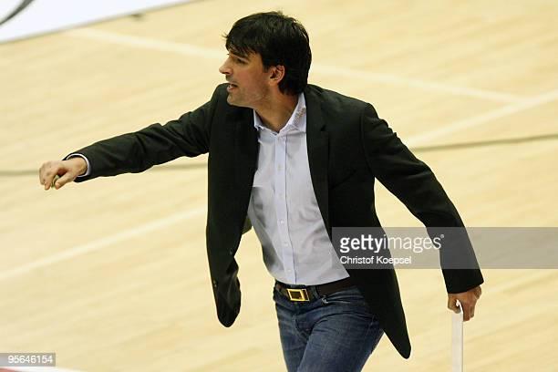 Head coach Vladimir Bogojevic of Giessen issues instructions during the Beko Basketball Bundesliga match between LTi Giessen 46ers and Deutsche Bank...