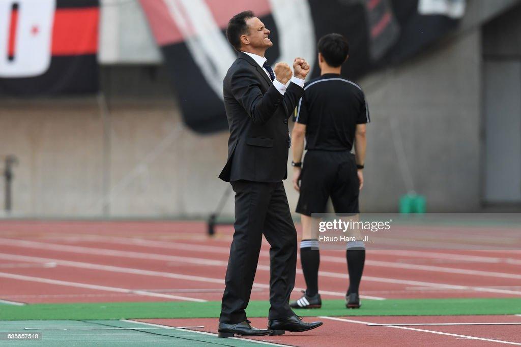 Albirex Niigata v Consadole Sapporo - J.League J1 : ニュース写真