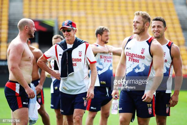 Head coach Wayne Bennett talks with Chris Hill and Tom Burgess during the England Rugby League World Cup Semi Final Captain's Run at Mt Smart Stadium...