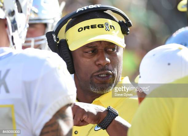 Head coach Willie Taggart of the Oregon Ducks speaks to his team during the third quarter of the game against the Nebraska Cornhuskers at Autzen...