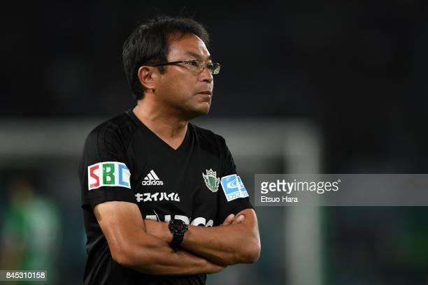 Head coach Yasuharu Sorimachi of Matsumoto Yamaga looks on during the JLeague J2 match between Tokyo Verdy and Matsumoto Yamaga at Ajinomoto Stadium...