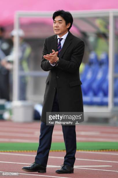 Head coach Yoon Jung Hwan of Cerezo Osaka looks on during the JLeague J1 match between Cerezo Osaka and Jubilo Iwata at Yanmar Stadium on February 25...