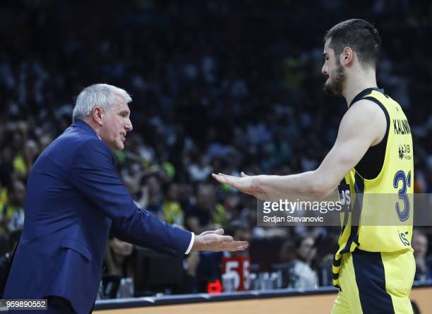head coach Zeljko Obradovic and Nikola Kalinic of Fenerbahce shake hands during the Turkish Airlines Euroleague Final Four Belgrade 2018 Semifinal...