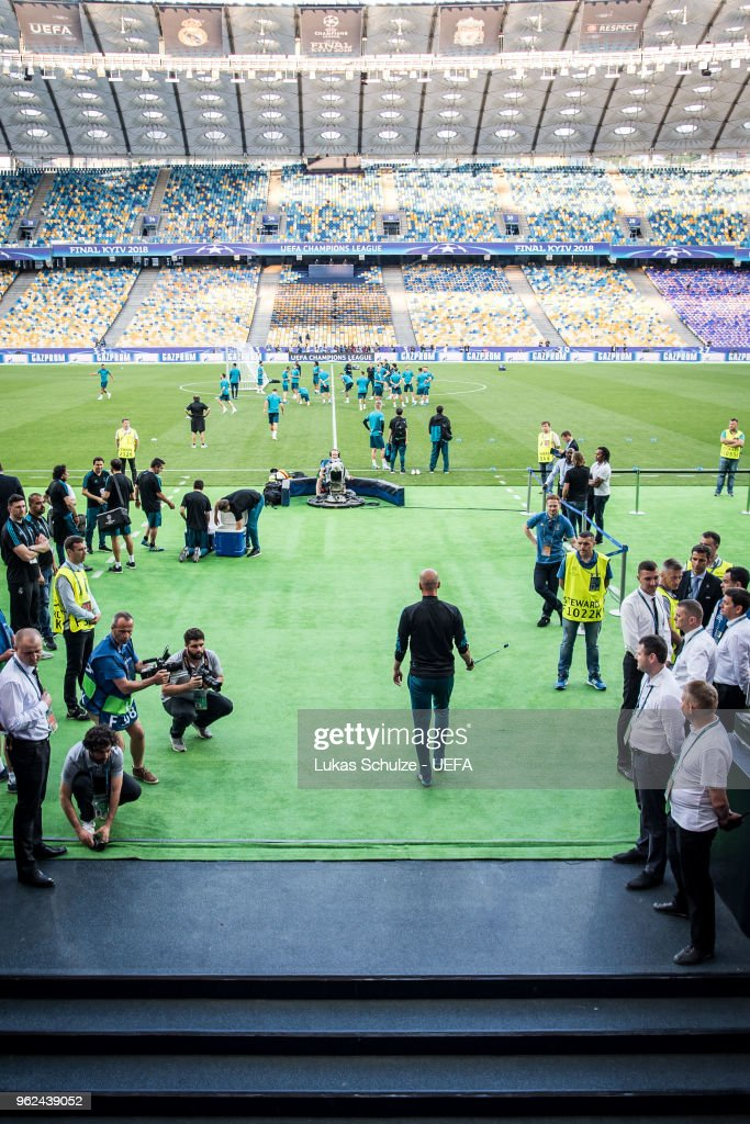 Head Coach Zinedine Zidane of Madrid enters the pitch for a Real Madrid training session ahead of the UEFA Champions League final between Real Madrid and Liverpool on May 25, 2018 in Kiev, Ukraine.