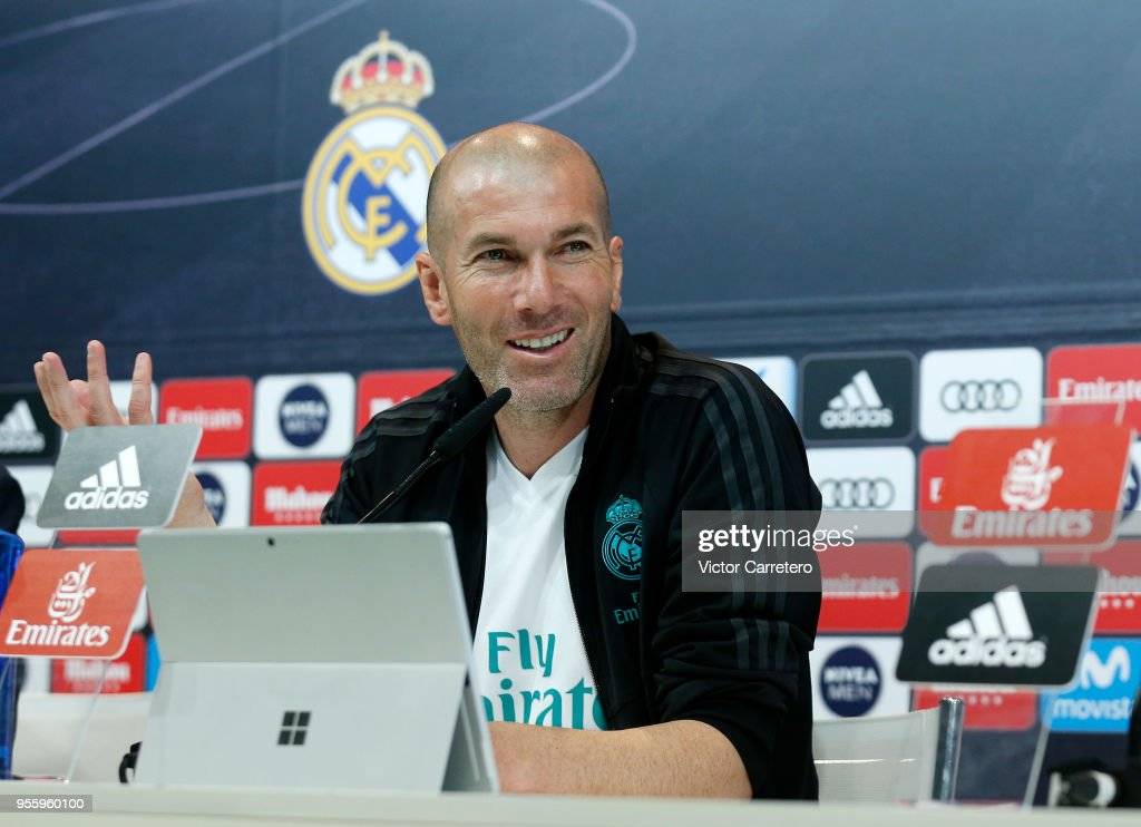 head-coach-zinedine-zidane-of-real-madrid-attends-a-press-conference-picture-id955960100 (612×443)