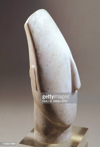 Head of an idol in marble from Amorgos Greece 355 cm high Cycladic civilization 35001050 BC Paris Musée Du Louvre