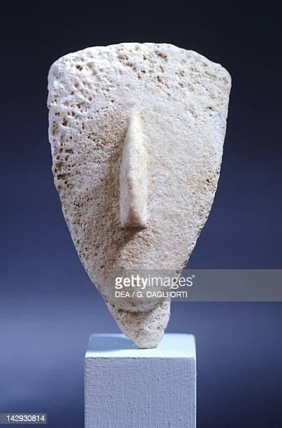 Head of an idol in marble Greece Cycladic civilization 35001050 BC Athens Ethnikó Arheologikó Moussío