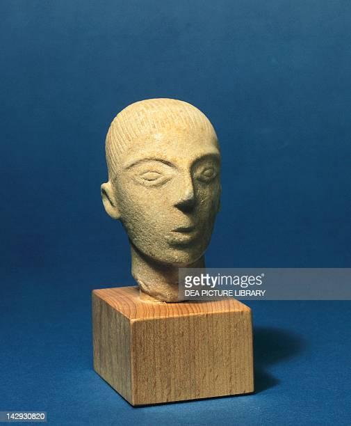 Head of an idol in marble Greece Cycladic civilization 35001050 BC Oxford Ashmolean Museum