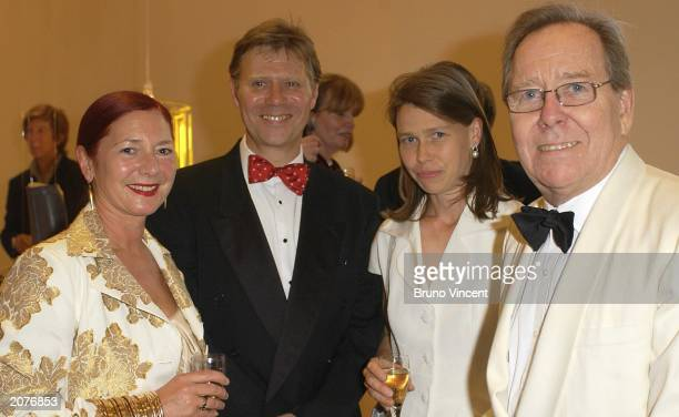 RCA head of fashion Wendy Dagworthy Alan Cummings Lady Sarah Chatto and her father Lord Snowdon attend the Royal College of Art fashion show June 12...