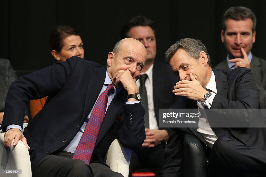 French right-wing Party 'Les Republicains' Gives A Campaign Meeting For The Regional Elections In Limoges : Nieuwsfoto's