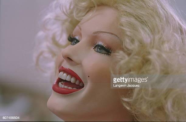 Head of Marilyn Monroe in the makeup workshop