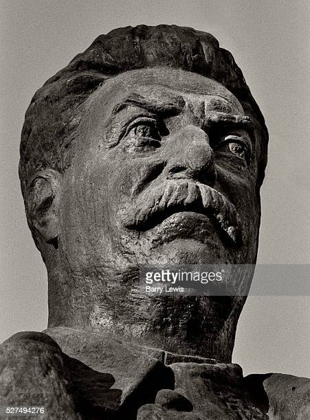 Head of Stalin Tirana A crane moved into Tirana's Stalin Boulevard at midnight on Thursday 21st December 1991 and loaded the dark bronze statue onto...