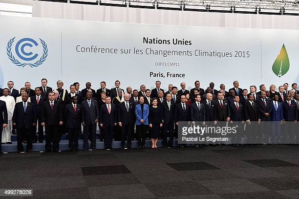 Head of States attend the Family photo session of the Cop 21 on November 30 2015 in Paris France World leaders are meeting in Paris for the start of...