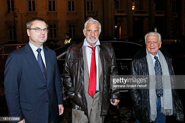 Head of the Paris Judicial Police Christian Flaesch legendary actor JeanPaul Belmondo and his brother Alain Belmondo arrive to attend the 100th...