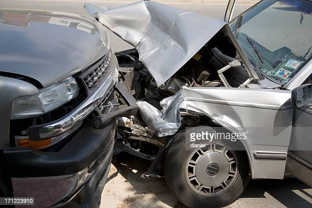 head on collision - crash stock pictures, royalty-free photos & images