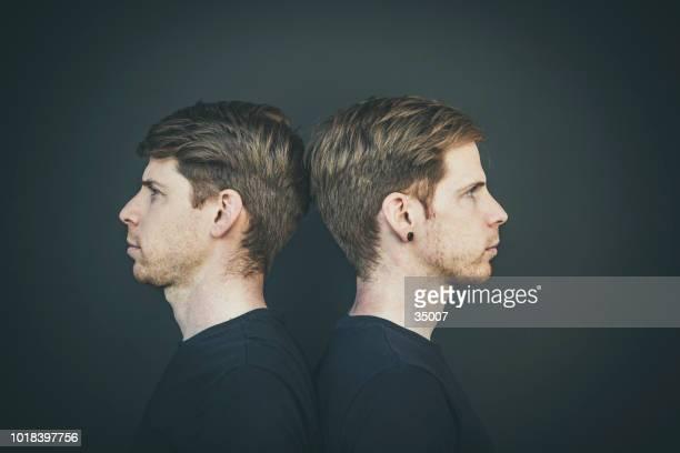 Kopf an Kopf, zwei Brüder Porträt