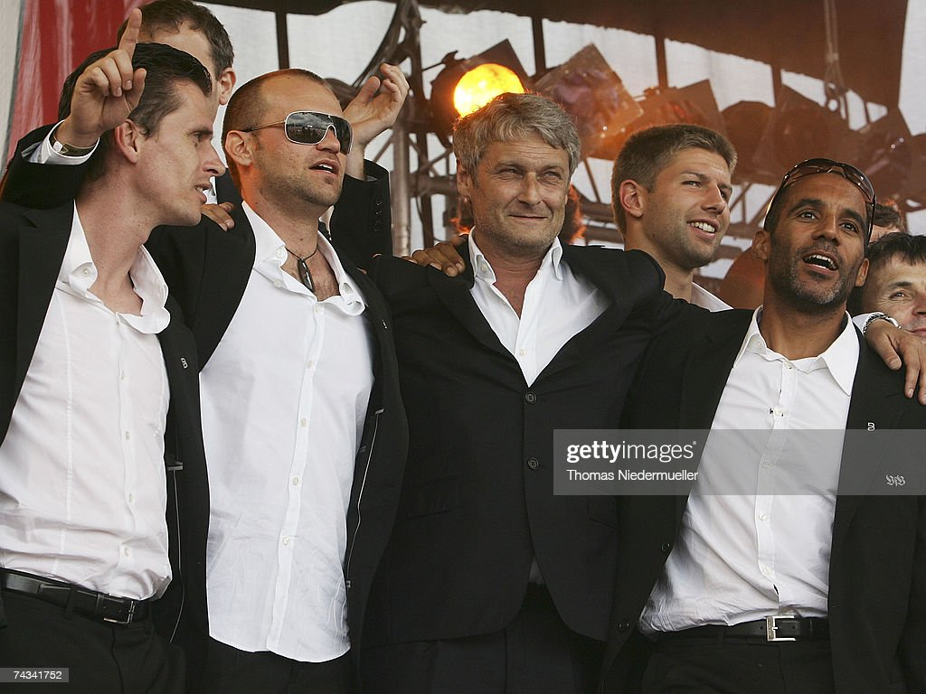 Headcoach Armin Veh (C) of VfB Stuttgart arrives at the Stuttgart Fan Mile at the Cannstatter Wasen on May 27, 2007 in Stuttgart, Germany. Thousands of fans appeared to greet the team the day after they won the 2nd place in the DFB Cup 2007 match in Berlin.