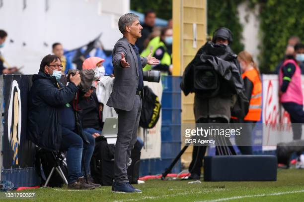 Headcoach Felice Mazzu of Union Saint-Gilloise during the Jupiler Pro League match between Union Saint Gilloise and Club Brugge at Joseph Marien...