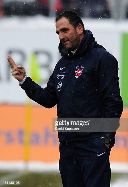 Headcoach Frank Schmidt of Heidenheim reacts during the third Bundesliga match between 1. FC Heidenheim and Preussen Muenster at Voith-Arena on...