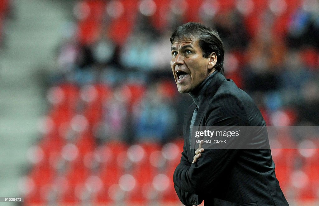 Headcoach of Lille football team Rudi Garcia reacts during their UEFA Europa League Group B football match between Slavia Prague and Lille on October 1, 2009 in Prague.