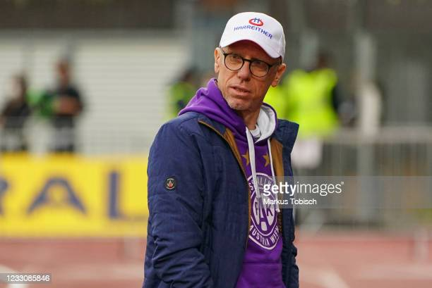 Headcoach Peter Stoeger of Austria Wien looks on prior to the Tipico Bundesliga match between TSV Hartberg and Austria Wien at Profertil Arena on May...