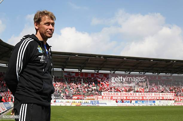 Headcoach Sven Koehler of Chemnitz during the Third League match between Hallescher FC and Chemnitzer FC at Erdgas Sportpark on April 10 2016 in...
