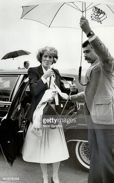 Heading home Geills Turner wife of Prime Minister John Turner leaves a Vancouver Hotel yesterday for the trip home to Toronto The Prime Minister is...